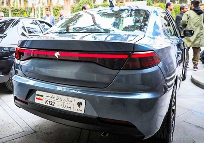 رونمایی از خودرو جدید ایران خودرو+فیلم