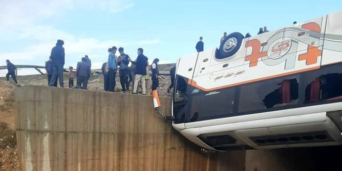 تصادف مرگبار اتوبوس و نیسان