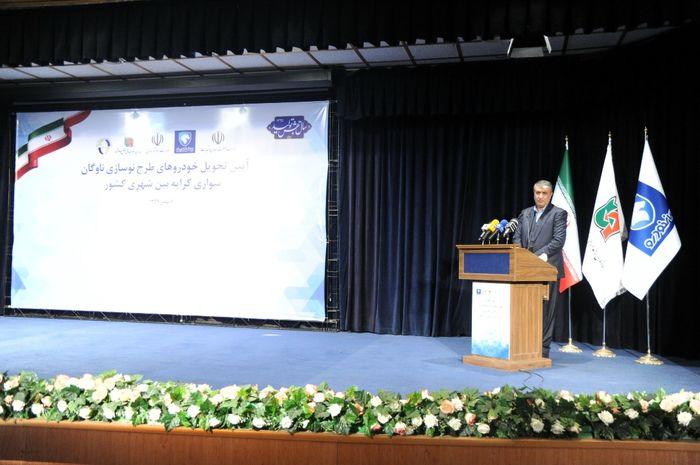 وزیر راه: از گامهای توسعهای ایران خودرو حمایت میکنیم