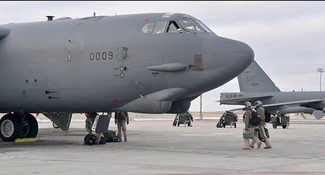 اعزام ۲ فروند بمب افکن آمریکایی به خاورمیانه