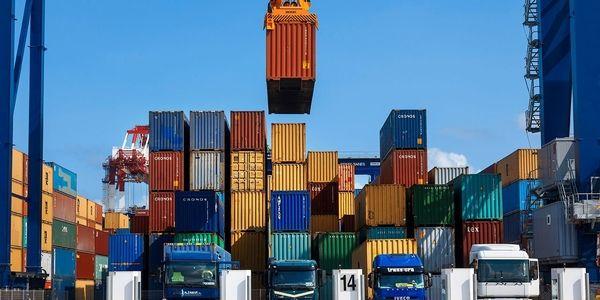 تنها ابزار دولت جدید برای افزایش صادرات کشور