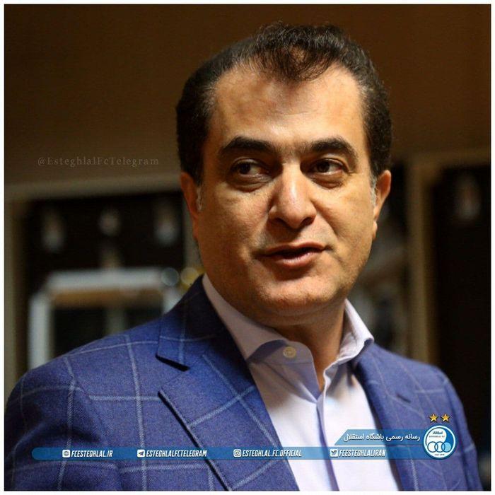 وزیر باید از هواداران استقلال عذرخواهی کند
