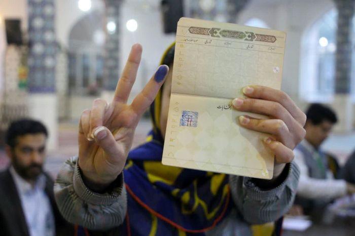 همتی رای اولیها را بازیگردان انتخابات نامید