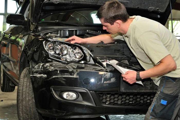 چطور بفهمیم خودرو تصادفی یا چپی است؟