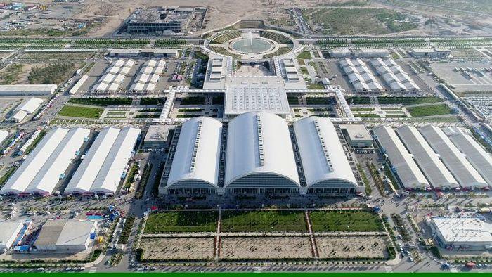 ماموریت مهم مدرس خیابانی برای شهر آفتاب / با تمام توان برای توسعه صادرات تلاش کنید