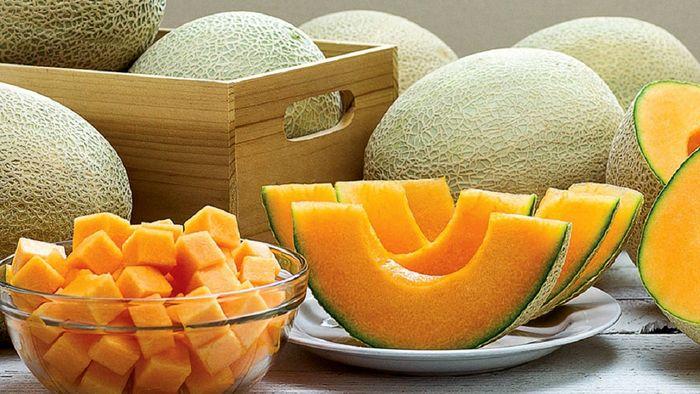 کمبود آب بدن را با این میوه جبران کنید