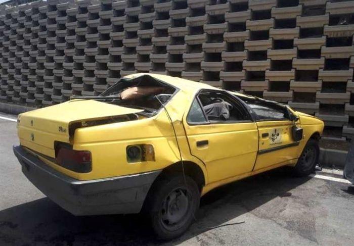 سقوط تاکسی در اتوبان آزادگان