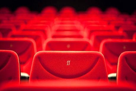 تعطیلی ادامهدار سالنهای سینما و تئاتر
