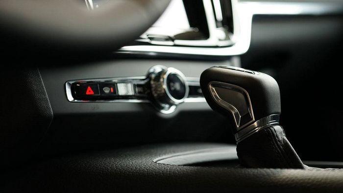 مصرف سوخت خودروهای دنده ای کمتر است یا اتوماتیک؟