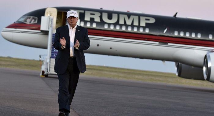 ترامپ از هواپیمای شخصی خود رونمایی کرد + عکس