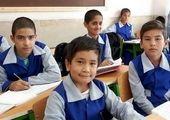 بچهای که موبایل ندارد باید حضوری به مدرسه برود! + فیلم