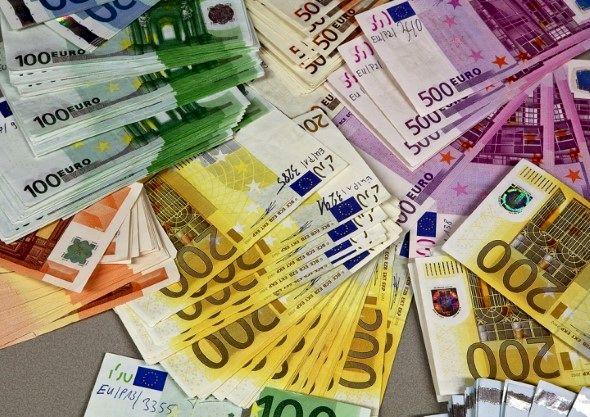 قیمت یورو بالا رفت