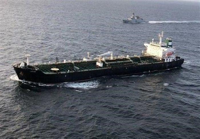 تصاویری از رساندن بنزین ایران به دست مردم ونزوئلا/فیلم