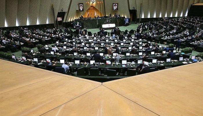 خضریان:قانون لغو تحریم ها به درستی اجرا نشد